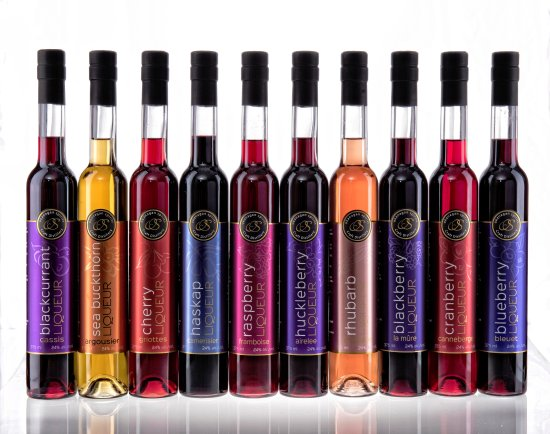 Vernon, Canadá: 10 Fruit Liqueurs to choose from - made 100% from BC Fruit