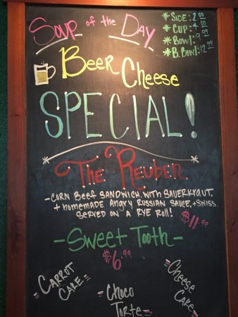 Brookings, OR: Vista Pub has great soups and specials. Everything is fresh! Salads are delish!