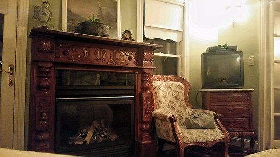 Laingdon Hotel: Sitting room.