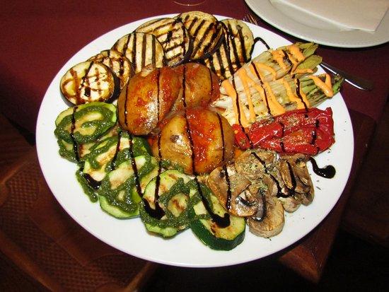 Restaurante el esquinazo san cristobal de la laguna for Parrillada verduras