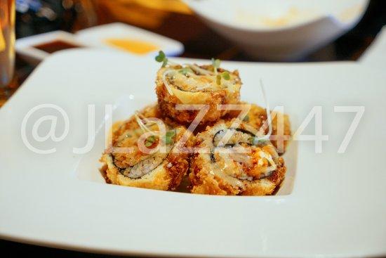 Glastonbury, CT: Crunchy Spicy Salmon Roll