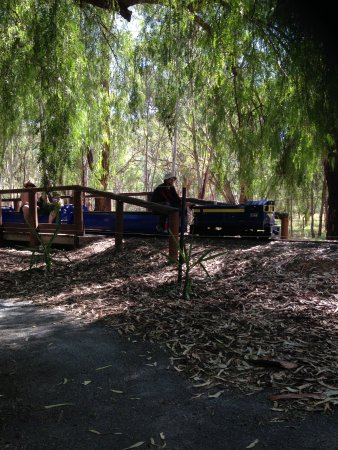 Mooroopna, Australië: The Kidstown Minature train operates Weekends, School holidays and Public holidays from 11am til