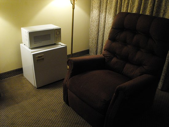 East Brunswick, نيو جيرسي: Another time furnitures