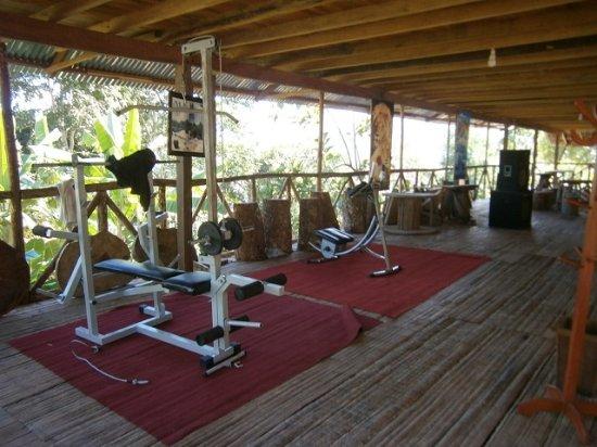 Foto de madera labrada tarapoto gimnasio tripadvisor for Gimnasio lee