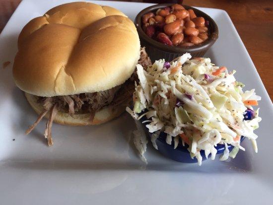 Gunnison, CO: Buttezarte Ribs, pulled pork und brisket... authentischer Fast Food Place mit Southern Influence
