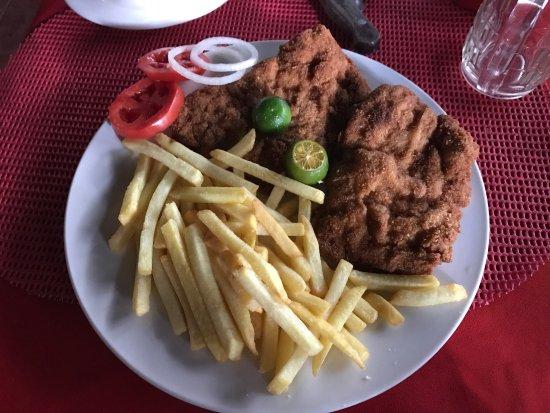 Hotel and Restaurant Swiss Chalet: Wiener Schnitzel, yummy!