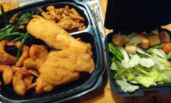 Red Lobster: Admirals Feast and salad