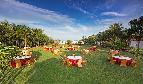Chariot beach resort mahabalipuram hotel reviews - Beach resort in chennai with swimming pool ...