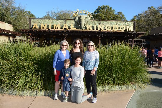 Dadeville, AL: Waiting for the Animal Kingdom to Open!