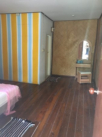 Ao Nang Friendly Bungalow: Do not stay here dirty rooms