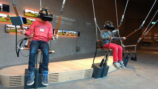 Bunnik, The Netherlands: Maak een parachutesprong over de waterlinies met behulp van een VR-bril