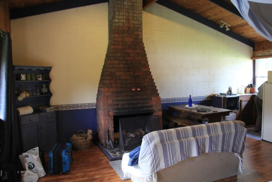Mountain Valley Wilderness Holidays: Queen Fauna cabin room