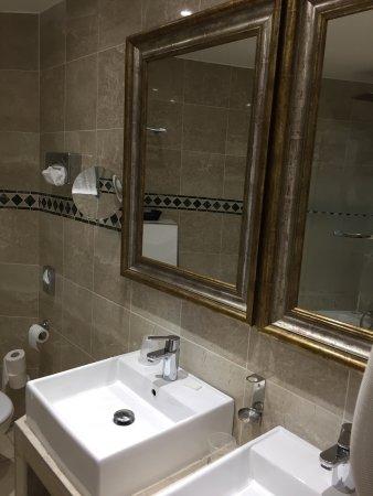 Hotel Montparnasse Saint-Germain : photo1.jpg