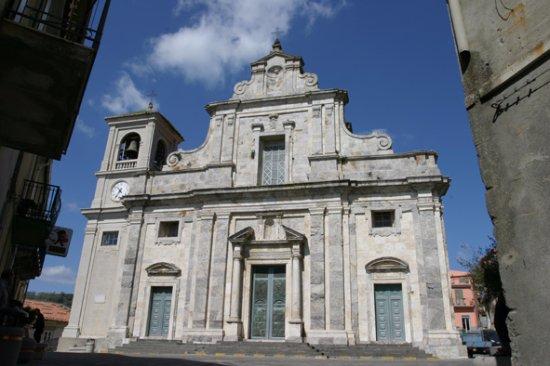 Ali, Italia: Piazza Duomo.