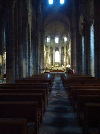 Orcival, Francia: intérieur
