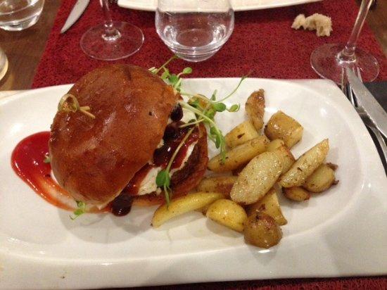 Le fameux Burger façon Bistrot   Picture of L'idee Hall, Tours