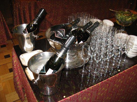 Гостиница Метрополь Москва: Russian champagne at breakfast