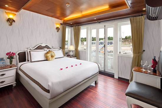 Glamor Star Cruise