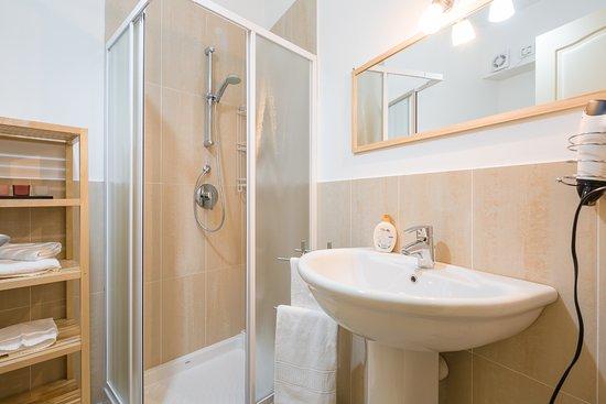 secondo bagno con doccia - Foto di B&B Chiara, Verona - TripAdvisor