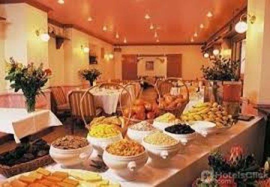 Commodore Hotel: La sala colazione