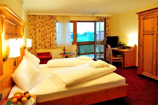 Goldegg, Österreich: Gemütliche Hotelzimmer im Landhausstil
