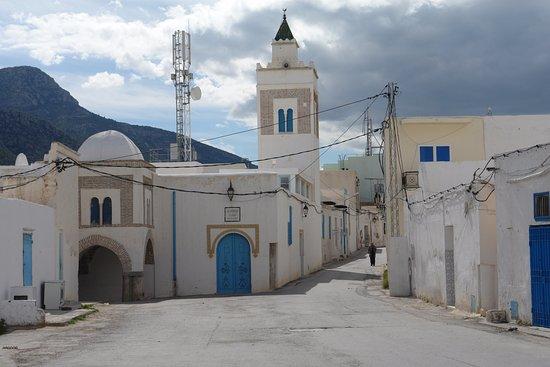 Zaghouan tunisia picture of le temple des eaux - Savigny le temple piscine ...