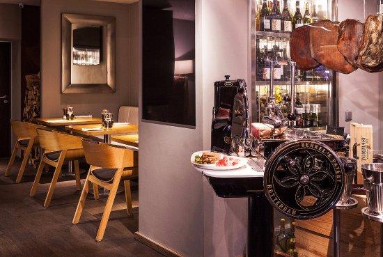 Hotel Bedriska Wellness Resort & Spa: ORANGE le MOON