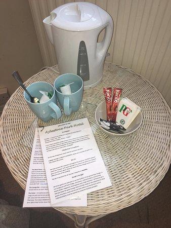 Aylestone Park Hotel: Tea & Coffee Making Facilities