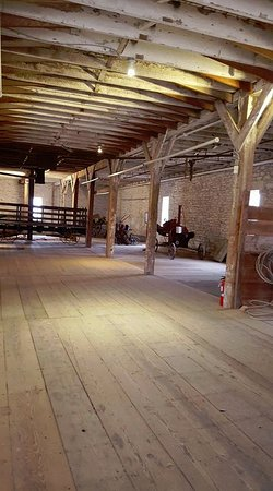 Strong City, Κάνσας: Inside the first floor of the barn.
