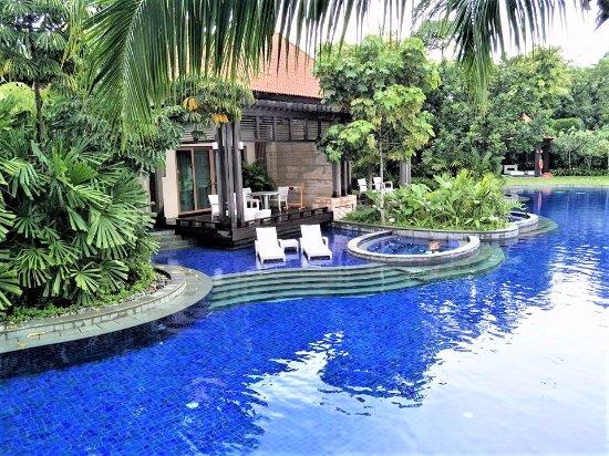 RESORTS WORLD SENTOSA - FESTIVE HOTEL - TripAdvisor