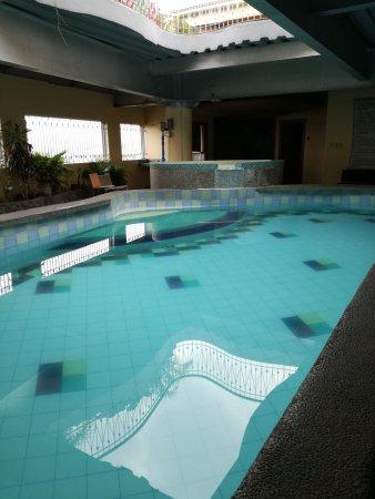 Swimming Pool Picture Of Zen Rooms La Paz Makati Tripadvisor