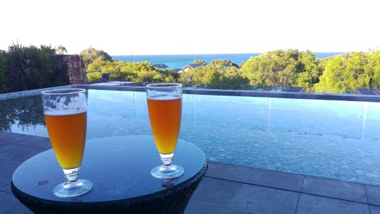 Cape Naturaliste, Avustralya: An outdoor area for bar guests to enjoy their drinks with a view