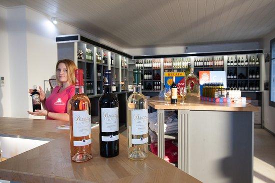 Saint-Laurent-de-la-Cabrerisse, Francia: une boisson de plaisir qui véhicule une culture d'une exceptionnelle richesse du cru Boutenac