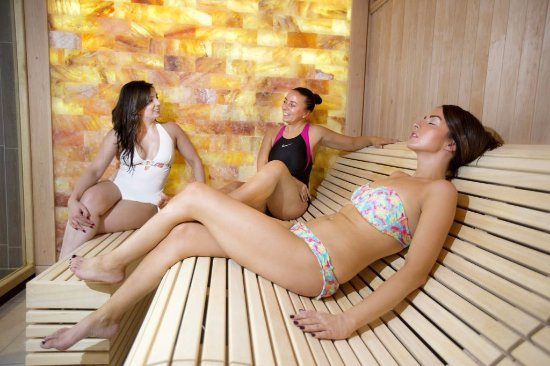 Coniston Cold, UK: Himalayan salt sauna at The Coniston Spa