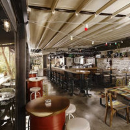 By Bahce Bistro Pub: BY BAHE BISTRO PUB TAKSIM ISTANBUL