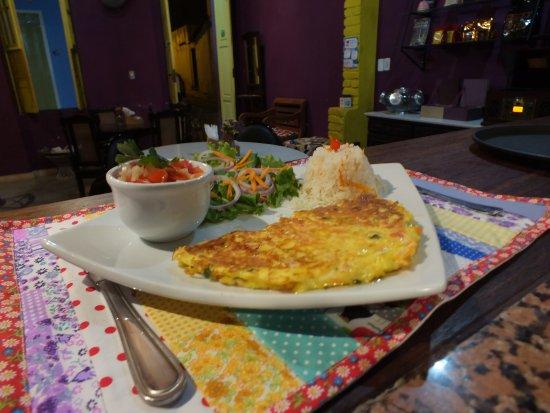 Cafeteria São Benedito: Servimos refeições também! Omeletes especiais, entre outros