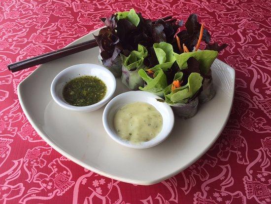 ศิวาลัย เพลส: Thai Salad