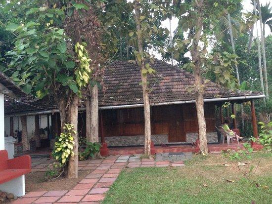Изображение Pooppallys Heritage Home
