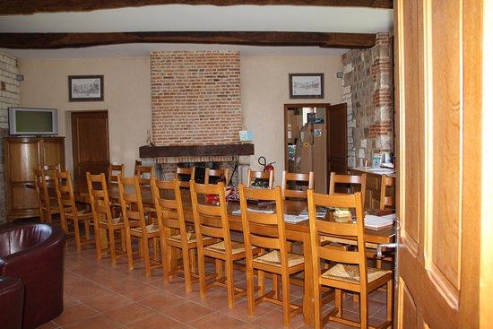 Ouville-la-Rivière, France: salle où on prend les repas