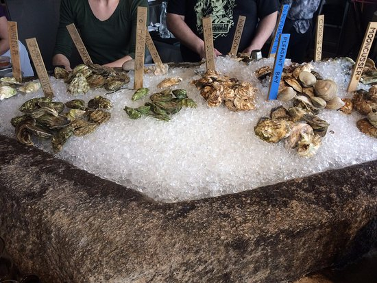 Eventide Oyster Company: Oysters are on point!