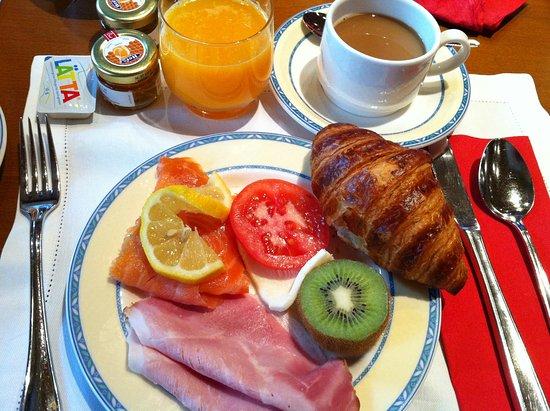 Hotel Daniela : 朝食のメニューは豊富