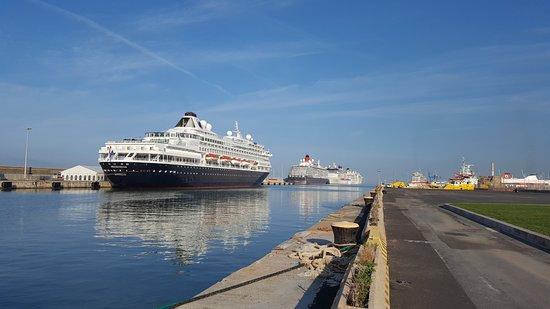 Shared shuttle civitavecchia italy updated 2017 top - Getting from civitavecchia port to rome ...