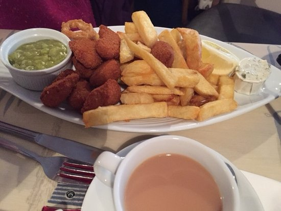 The Trawler: scampi and chips
