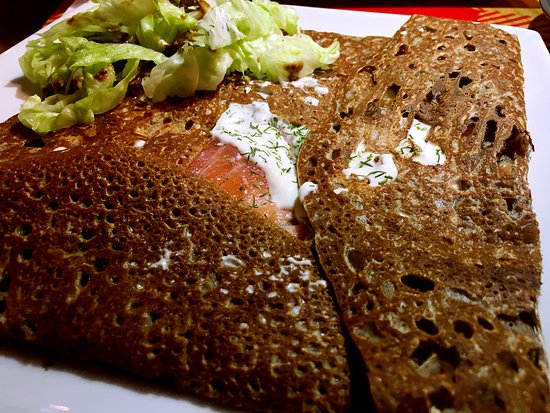 La Petite Bretagne: Océane (smoked salmon crepe)