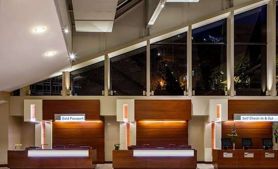 Hyatt Regency Washington on Capitol Hill Front Desk: Open 24/7!