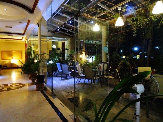 Pathum Thani, Tailandia: Green Garden area