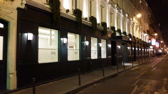 por afuera picture of hotel 34b astotel paris tripadvisor. Black Bedroom Furniture Sets. Home Design Ideas