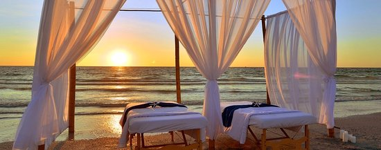Kill Devil Hills, Carolina del Norte: Massage with a view. We provide everything and can set up on porches, gazebos or flex spaces