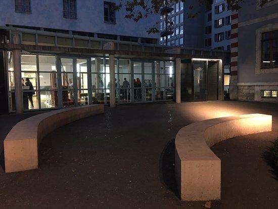 geneva hostel h tel gen ve suisse voir les tarifs 29 avis et 226 photos. Black Bedroom Furniture Sets. Home Design Ideas