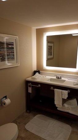 Triadelphia, WV: Great, clean bathroom